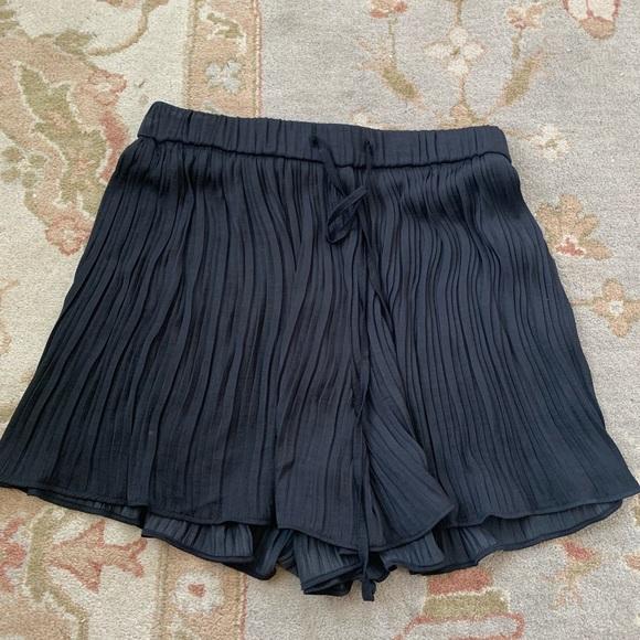 Zara Pants - Zara shorts, BRAND NEW